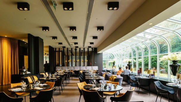 Thiết kế nhà hàng đơn giản nhưng thu hút mọi thực khách