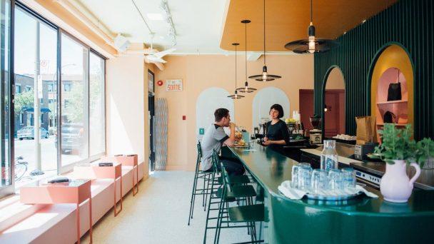 Thiết kế nội thất quán cà phê phong cách Color Block