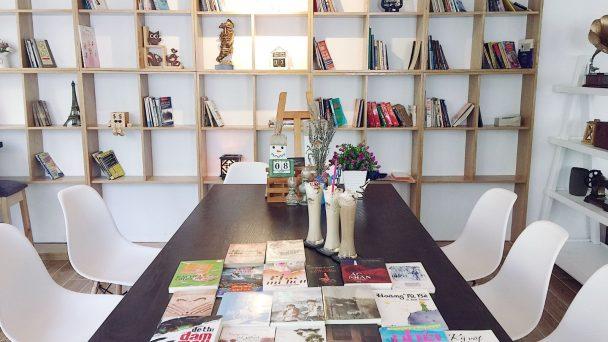 Thiết kế quán café phong cách thư viện cho người yêu sách